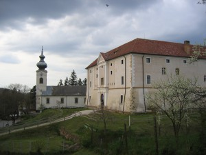 várkastély a templommal